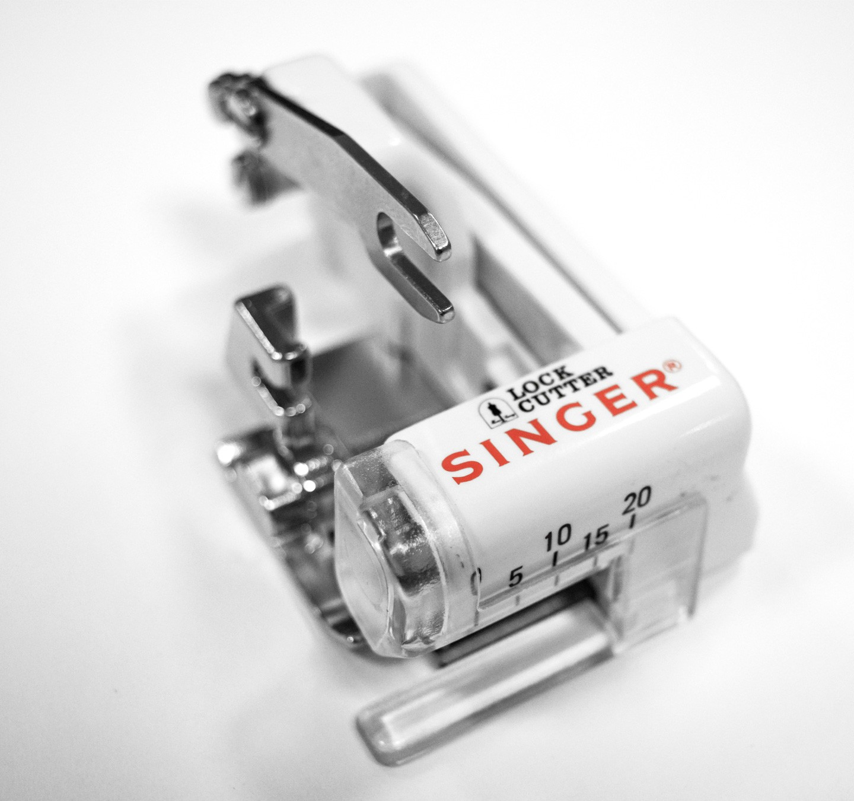 SINGER OVERLOCK / SIDE CUTTER FOOT - 55579001